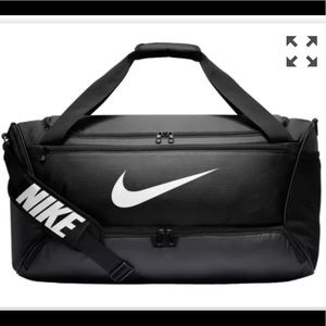 Nike med size duffle bag brand new with tag
